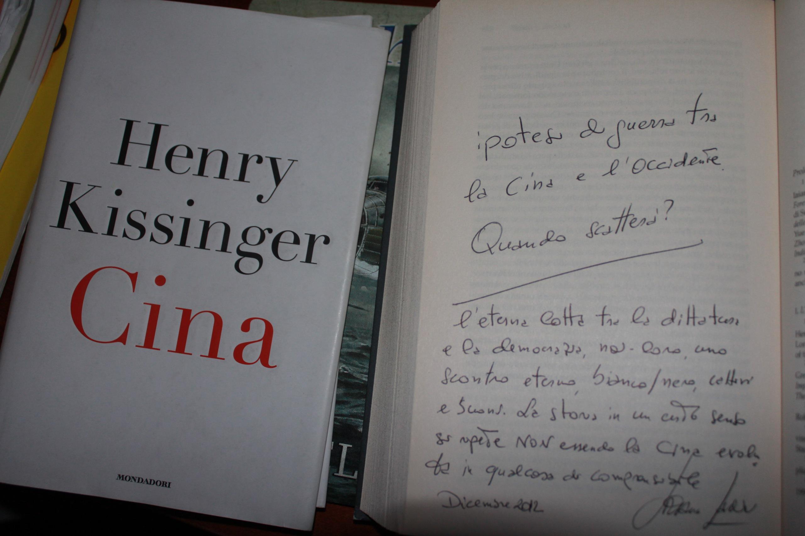 La Cina e la dittatura incompatibile con la democrazia.